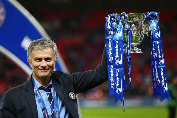 """Chelsea. Mourinho: """"Cinque punti di vantaggio non sono niente, Terry? Rimane con noi"""""""