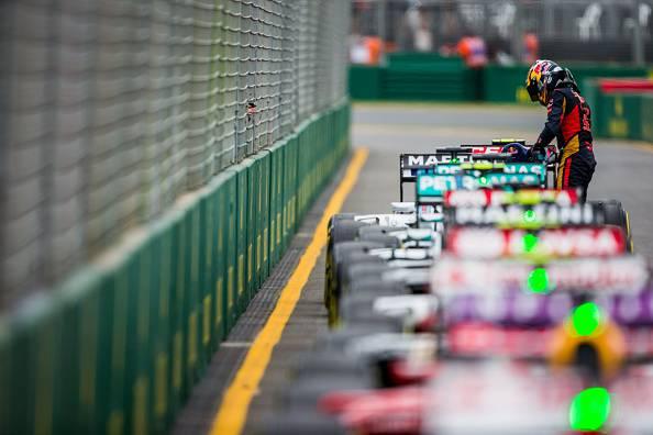 Formula 1. GP Australia: Pole per Hamilton, poi Rosberg e Massa. Quarto Vettel, 5° Raikkonen