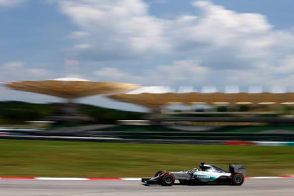 Formula 1. Gp Malesia preview, Mercedes ancora favorite, Ferrari subito dietro (FOTO)