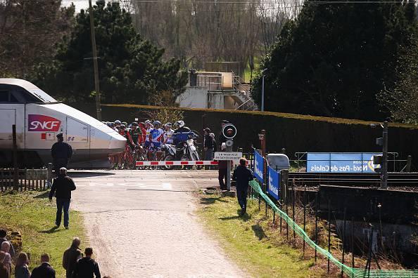 Parigi – Roubaix 2015. Denuncia delle ferrovie contro ignoti dopo il dramma sfiorato