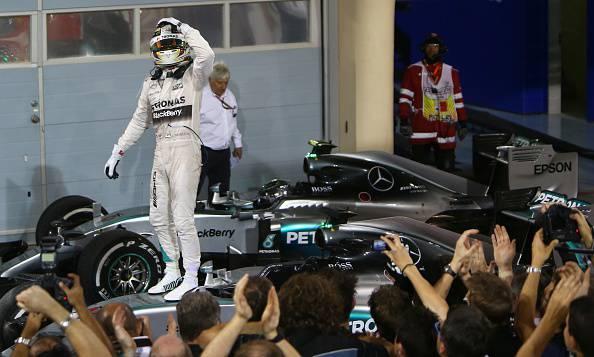 Formula 1. GP Bahrain, Hamilton non sbaglia. Raikkonen precede Rosberg