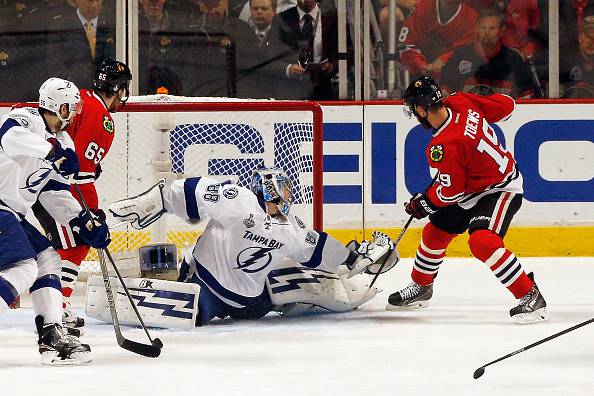 Nhl. Stanley Cup; Chicago batte Tampa Bay. Serie sul 2-2