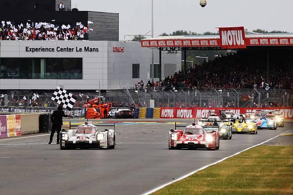 Motori. 24 ore le Mans, doppietta Porsche. Vince il trio Hulkenberg, Bamber e Tandy (FOTO)