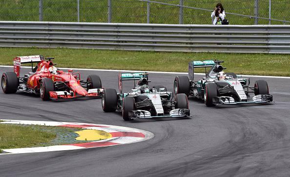 F1. Gp Austria; Show delle Mercedes. Quarto posto per Vettel