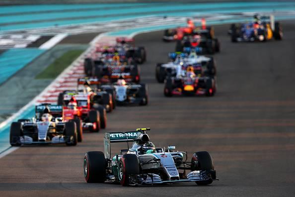Formula 1, Abu Dhabi: Dominio Mercedes, poi Raikkonen