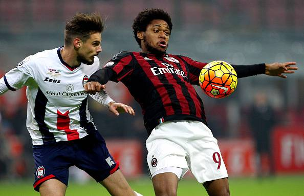 Luiz Adriano (getty images)