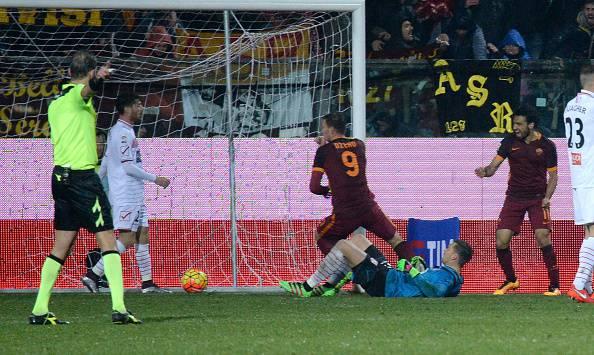 Serie A: la Roma mette la quarta battendo 3-1 il Carpi. Torna al gol Dzeko