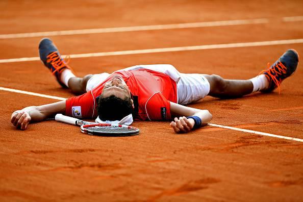 Thiago Monteiro esulta dopo aver eliminato Tsonga