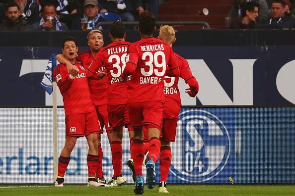 """""""Chicarito Hernandez e il Bayer Leverkusen festeggiano un gol"""