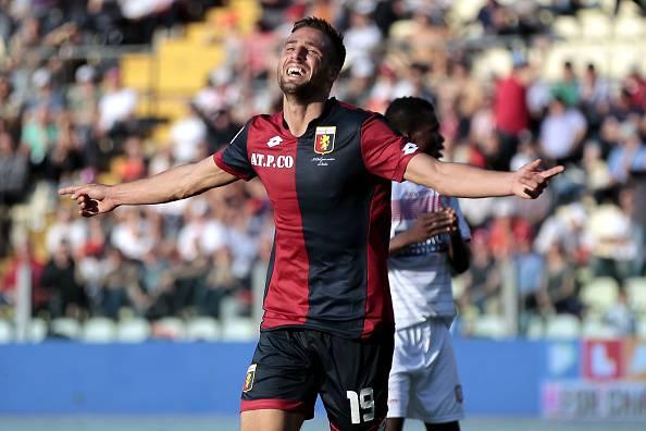 Calciomercato, De Laurentiis ufficializza l'acquisto di Pavoletti