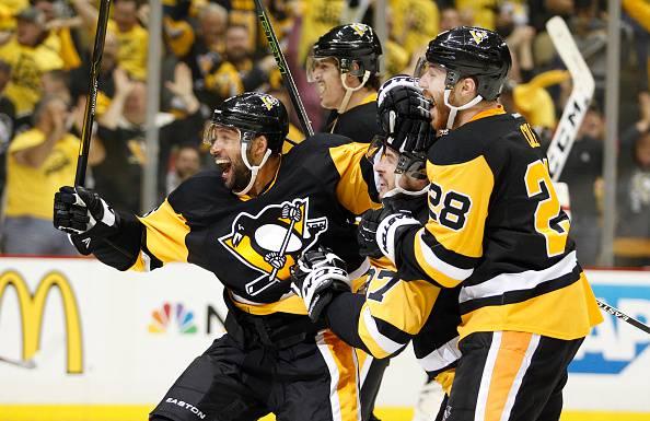 NHL: I Penguins passano all'overtime, Capitals ad un passo dall'eliminazione