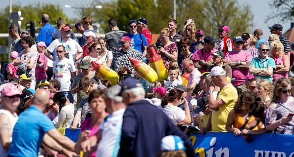 Giro d'Italia 2016: Dumoulin è la prima maglia rosa