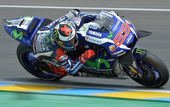 MotoGP, Le Mans: Lorenzo davanti nelle prove libere, male Rossi