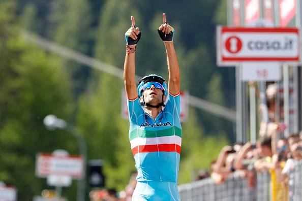 Giro d'Italia: Nibali vince la 19a tappa e riapre la Corsa Rosa