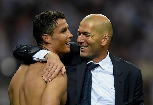 """Zidane parla del futuro del Madrid e loda Ronaldo """"E' insostituibile""""."""