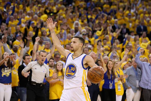 Stephen Curry, stella dei Golden State Warriors e due volte MVP NBA