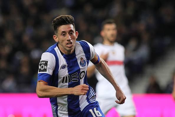 Hector Herrera, centrocampista che piace al Napoli, gioca nel Porto