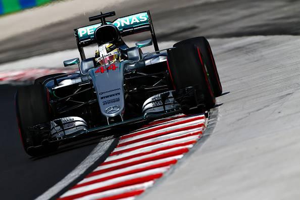 F1, Gp Ungheria: Mercedes guidano le prime libere