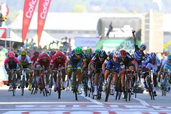 Ciclismo, Vuelta: Geniez vince in salita, Fernandez nuovo leader
