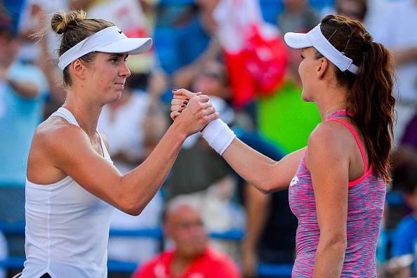 Agnieszka Radwanska e Elina Svitolina si salutano dopo il match (getty images) SN.eu
