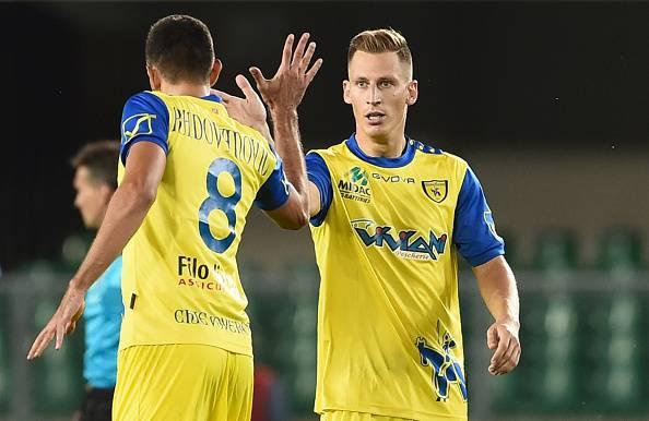 Serie A: Napoli 2-2 a Pescara, ko l'Inter, goleada Lazio, tris Genoa. Ok Sassuolo