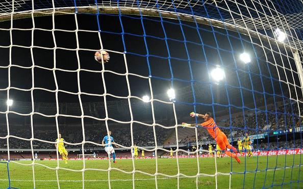 Serie A, Gabbiadini-Hamsik: il Napoli risponde alla Juventus