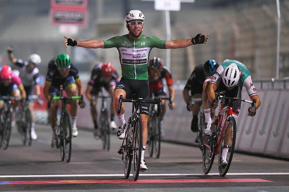 Abu Dhabi Tour 2016, Cavendish vince l'ultima volata. Kangert la classifica generale