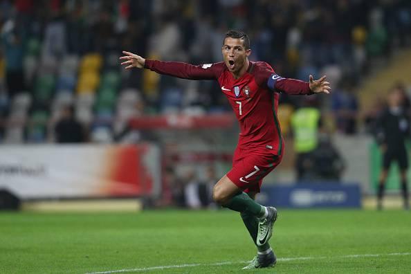 Cristiano Ronaldo, stella del calcio mondiale. Qui con la maglia del Portogallo