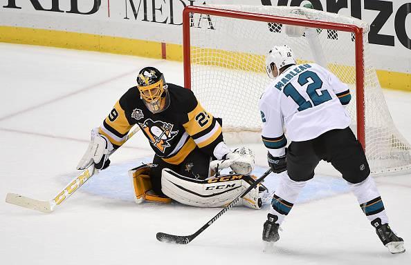 Hockey NHL: Vancouver non si ferma, prima vittoria per i Kings