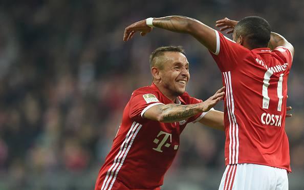 Bundesliga: il Bayern prova l'allungo 3-3 Dortmund, male il Levekusen