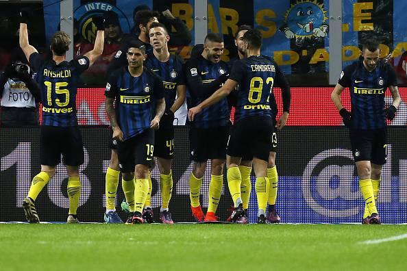 Serie A: partita pazza a Milano, l'Inter batte la Fiorentina, pareggia il Napoli