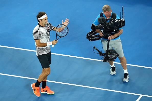 Australian Open: Federer avanti in scioltezza, lo attende Nishikori
