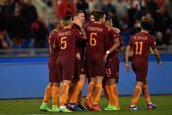 Serie A, la Roma risponde al Napoli: Torino battuto 4-1