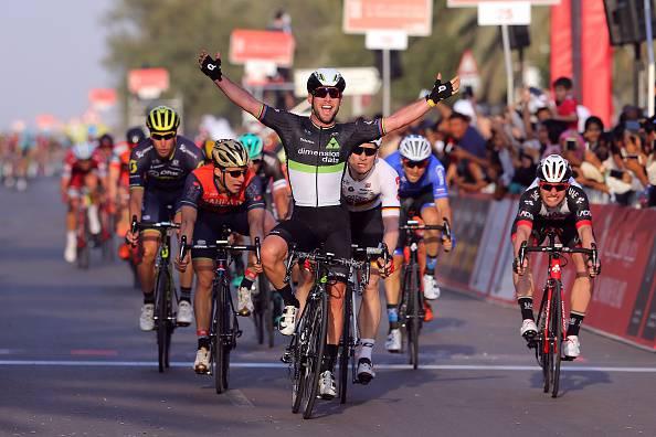 Abu Dhabi Tour 2017, 1^ tappa: Cavendish vince la volata. Terzo Bonifazio