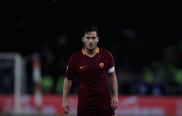 """Roma, comunicato UFFICIALE di Totti: """"Pronto per una nuova sfida"""""""