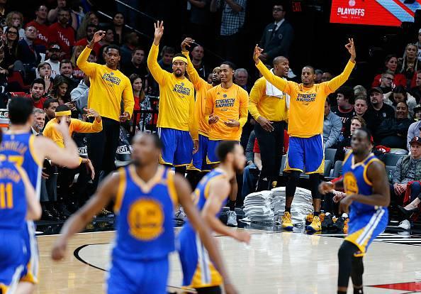 Playoff NBA: Golden State chiude la serie, Atlanta pareggia, Toronto va sul 3-2