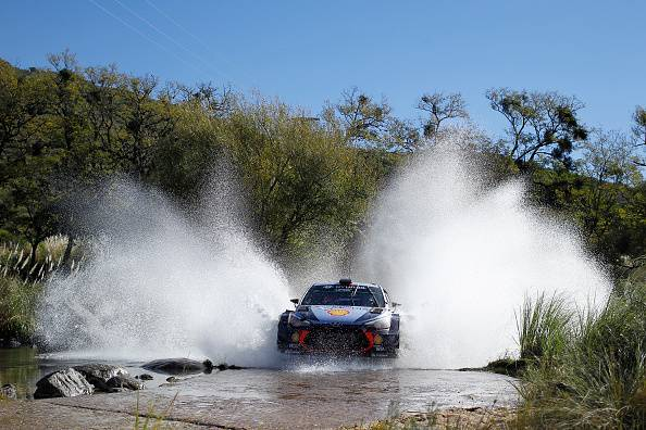 Rally, GP Argentina 2017: Neuville vince. Ogier rimane leader