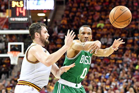 Play-off NBA, clamoroso a Cleveland. Boston rimonta e riapre la serie