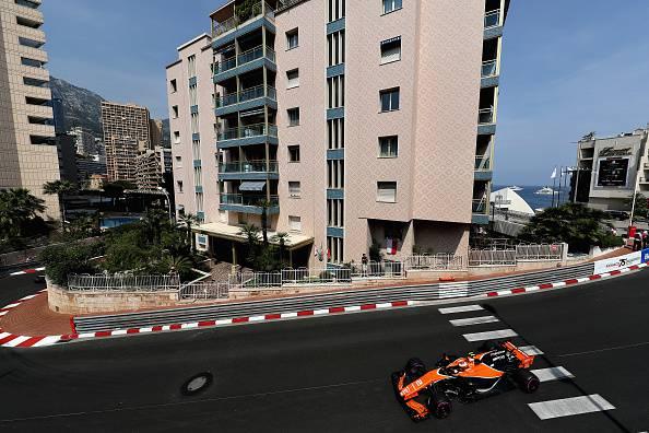 Formula 2, GP Monaco: prima vittoria per Rowland. Leclerc si ritira