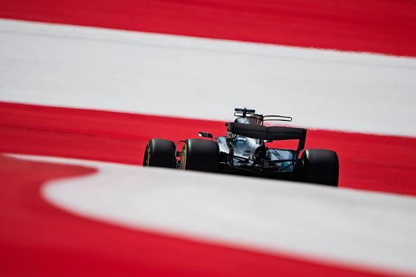 F1, Hamilton vince a Silverstone e riapre il mondiale