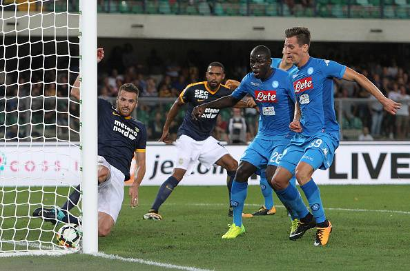 Serie A, il Napoli risponde alla Juventus: 3-1 al Verona