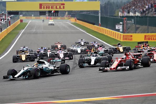 F1: Belgio, a metà gara Hamilton davanti