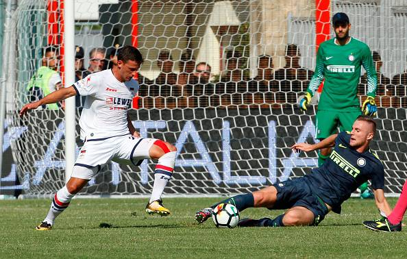 Serie A: l'Inter vola, Skriniar e Perisic regalano tre punti a Crotone