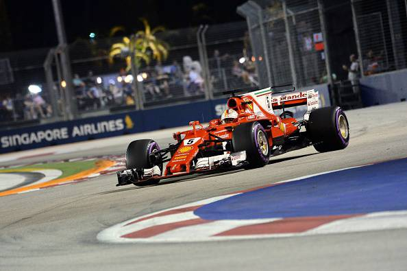 Singapore GP F1: Ferrari in pole position con Vettel, quarto Raikkonen