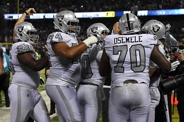NFL, Week 7: Derek Carr fa il mostro, altro ko per i Chiefs. E Tavecchio…
