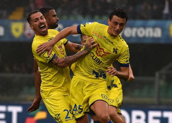Serie A, Sergio Pellissier decide il derby di Verona. Il Chievo trionfa 3-2