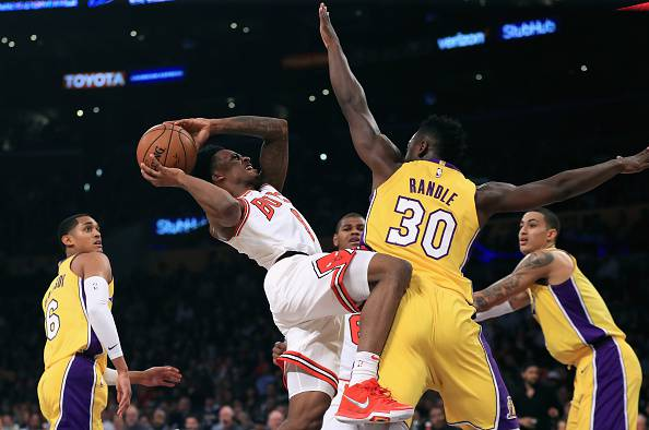 NBA: nella notte una sola partita. Lakers battono Bulls 103-94