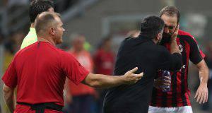 Gennaro Gattuso, tecnico del Milan, abbraccia Gonzalo Higuain