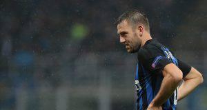 Stefan De Vrij, difensore dell'Inter, deluso dopo eliminazione dalla Champions League