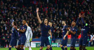 I calciatori del PSG vengono pagati per salutare i tifosi
